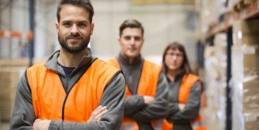 Equipe préparateurs de commandes logistique e-commerce
