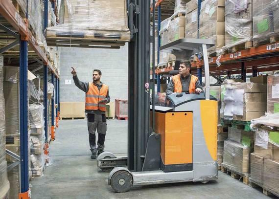 logistique BtoB, opérations en entrepôt