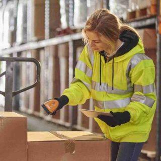 Préparatrice de commandes logistique ecommerce